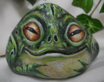 Frog Amphibian  Painted Rock Collectable Garden Art