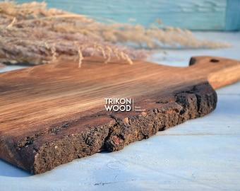 Bird Board, Rustic Cutting Board, Live Edge Board, Chicken board, Serving Board, Cheeseboard, Oak Board, Wedding Gift, Hunter Gift