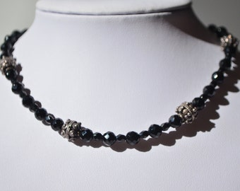 Vintage Sterling Silver Faceted Black Glass Silver Beaded Toggle Clasp Choker Necklace