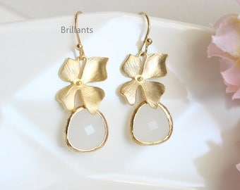 Orchid flower and White stone earrings in gold, Bridesmaid gift, Bridesmaid jewelry, Everyday earrings, Wedding earrings