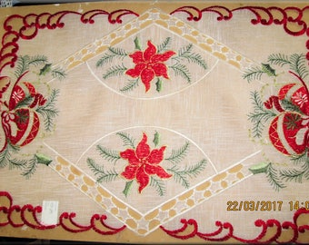 Rectangle Embroidered Lace Christmas Placemats; set of 3, Off white and Red