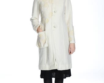 WINTER HOT PRICE.  Amazing hand made vanilla felted coat, M size. Only one sample.