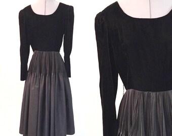 Small ** 1970s BLACK VELVET three quarter length sleeve dress ** vintage seventies R&K Originals black party dress