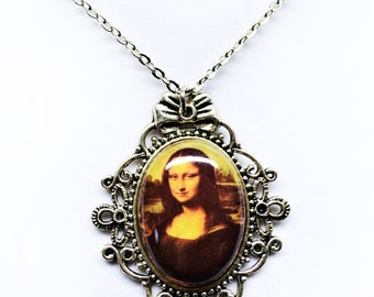 Mona Lisa Pendant Necklace