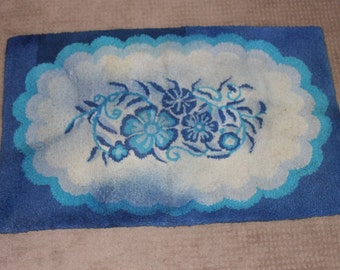 Blue and White Floral Hook Throw Rug