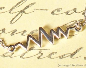 "Dainty 14k White Gold Heartbeat Pulse Sign 16-18"" Trendy Modernist Minamalist Necklace"
