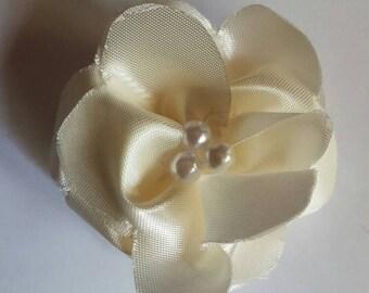 White flower barrette