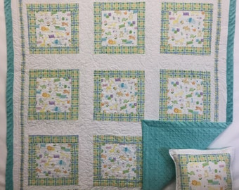 In Stock: Cute As a Button Baby Quilt with Free Pillow Case 16026