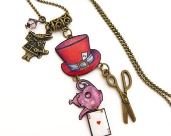 Pendant Alice in the Wonderland