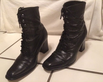 Excellent 1980s Lace Up Boots. Women's size 7 to 7.5