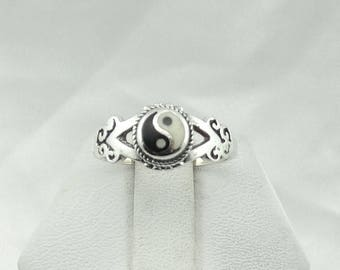 Vintage Sterling Silver and Enamel Yin Yang Ring  #YANG5-SR5