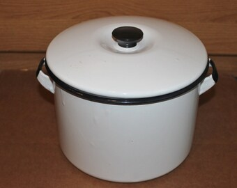 Enamelware Stock Pot with Lid Vintage Black Trim