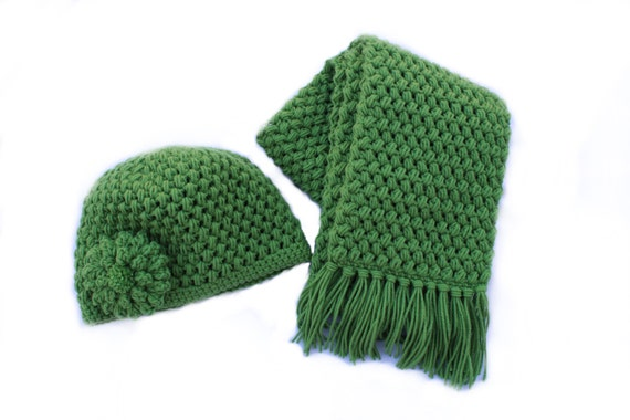 Ready to Ship**Free Shipping**/Crochet Hat and Scarf Set/Green Hat Scarf/Medium Long Ladies Teen Scarf Hat Set/Flower Hat/Scarf with Fringe