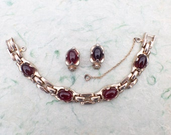 Signed Barclay link bracelet and clip on earring set AB903