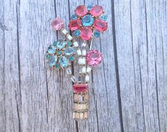 Vintage floral bouquet brooch clear pink blue rhinestones figural AC060