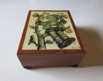 ITALY REUGE MUSIC Box with Hummel Print on Front