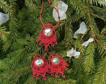 Red macrame set: a necklace and earrings