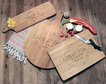 Personalised Cutting Boards, Custom Chopping Board, Wedding Gift, Personalized Cutting Board, Mr & Mrs Leaf Wreath