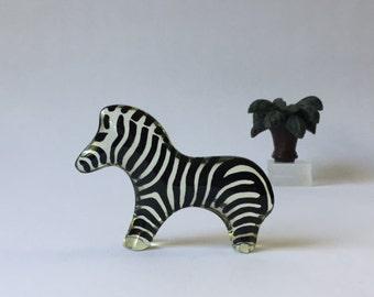 Abraham Palatnik op art Lucite zebra #028 baby zebra Jungle Zoo Artemis Collection, vintage modern mcm kinechromatic small optical sculpture