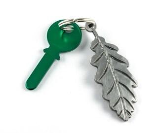 Nature gift - oak leaf keychain - metal leaf keychain