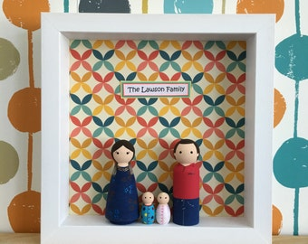 Personalised (4) Peg Doll Family Frame - White Frame With 4 Family Members