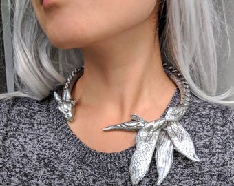 Daenerys Dragon Necklace.  Game of Thrones Dragon Jewelry.  Daenerys Costume Accessories.  Mother of Dragons