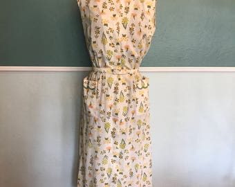 1960's Hillman's Indianapolis Cotton Floral Wiggle Dress Scalloped Collar Pockets S