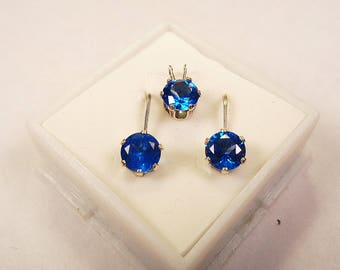 Topaz Pendant and Earring Set.  7mm. Round Natural Glacial Blue Topaz Pendant & Stud Earring Set in Silver.