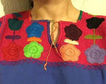 Tipycal Mexican embroidered blouse-Mitla