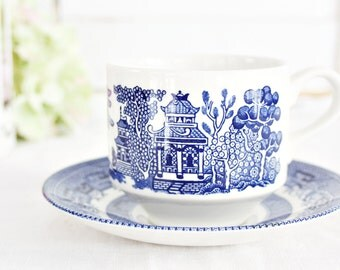 """Vintage Churchill """"Willow Blue"""" Teacup 