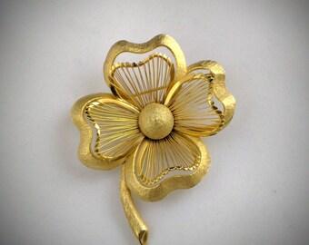 MONET brooch signed - 4 petal flower - Vintage - Gold tone