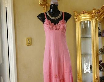 Vintage 1960s Pink Silky Soft Nylon Full Slip, Petticoat by Kayser. Size UK 12, US 6 (238)