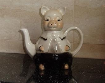 Mr Piglet the Teapot