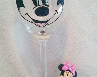 Beautifully Hand Decorated Figurine Glitter Glass - Minnie Mouse