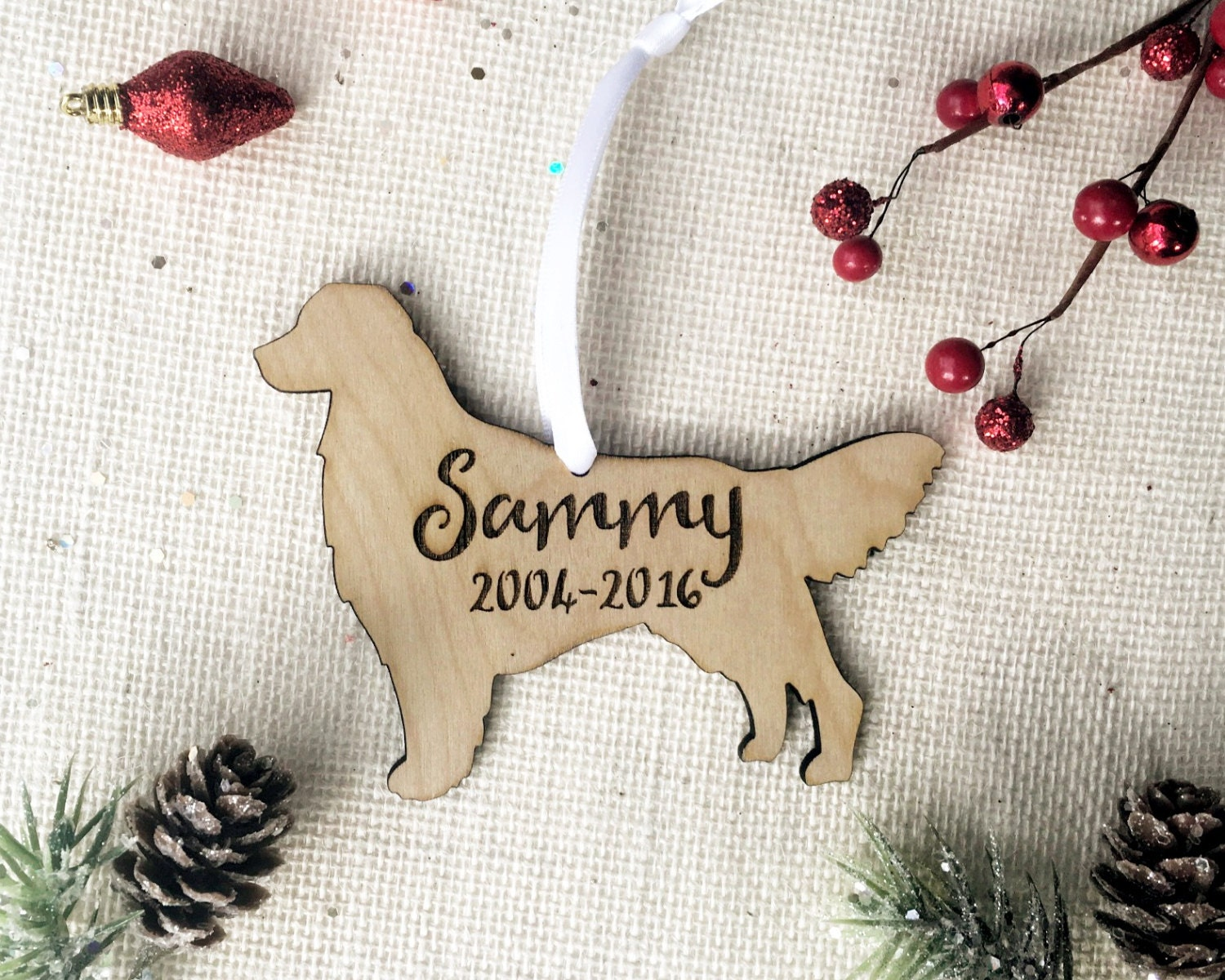 Personalized Dog Ornament - Golden Retriever Wooden Shape - With Dog Name