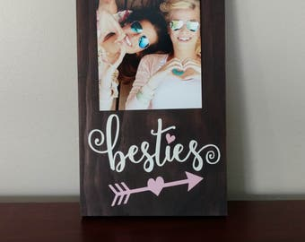 Besties Picture Frame.Besties Frame.Picture Frame.Besties Gift Idea.Display Photos.Photo Hanger.Wall Decor.Rustic Decor.Picture Frame