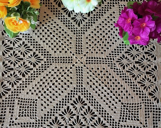 Crochet lace - Dinner Placemat - Mom birthday gift - Housewarming Gift - Square crochet - Table mat Centerpiece- Doily Crocheted - Crochet.