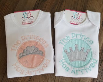 The Princess has arrived  / The Prince  has arrived Applique Bodysuit - Going home outfit  - Embroidered & Appliqued  Onesie