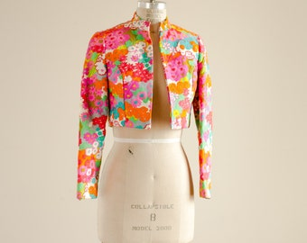 Vintage Bright and Bold Floral Printed Well Tailored Quilted Cropped Blazer Jacket