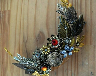 played bride - comb of flowers and leaves, hair accessory, Pik /hair flower comb, gold crown jewel