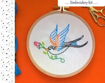 Embroidery KIT - Embroidery pattern - embroidery hoop art - Swallow - Traditional embroidery kit