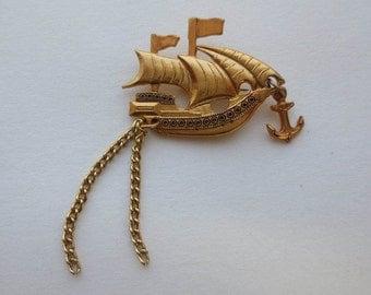 Badge with ship, sailing ship, galleon, sailing craft, pirate ship, yawn, badge, pin, clothespin, cloth decor, sea wolf, brooch