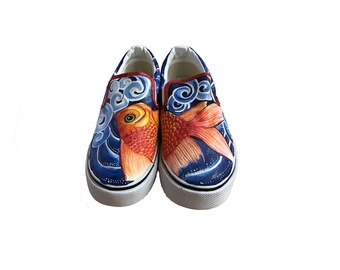 Hand painting slip-on shoes