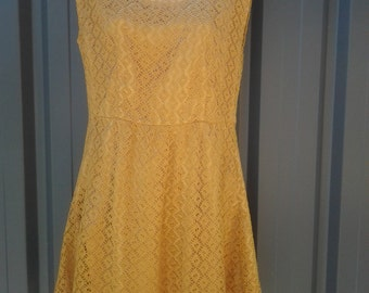 20% off Beautiful Vintage Gold Knee High Dress - Christmas Day Dress - Worn Both Ways - Size 10