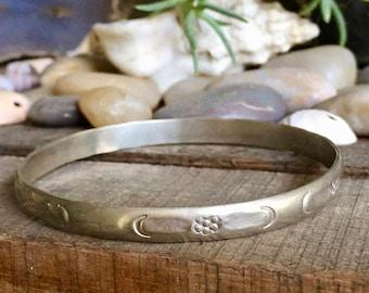 Sterling Silver Bangle Bracelet with Flower Design / Stamped / Floral / Vintage
