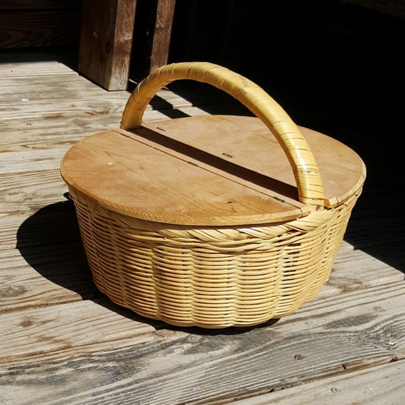 Woven Basket With Hinged Lid : Small picnic basket with hinged lid woven for