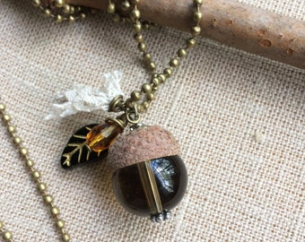 "Long necklace ""Brown Acorn."" Natural Acorn charm necklace and leaf in Czech glass. Gift idea. Glass acorn. Nature. Unique piece"