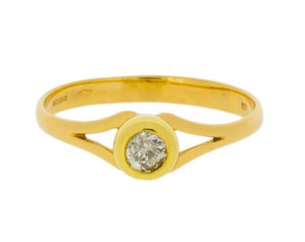 Open Shoulders Solitaire Diamond Ring in 18ct Yellow Gold | Vintage Engagement Ring| (3018103)