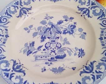 Antique French cake plate, Sarreguemines 'Shanghai' design in blue and white.