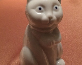 Vintage Spencer White Cat Bell
